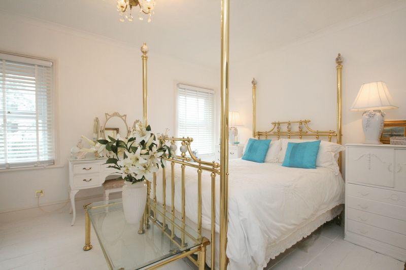 15 Guest Bedroom 4