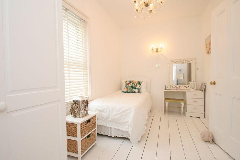 16 Single Bedroom