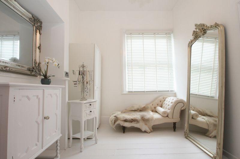 18 Master Dressing Room
