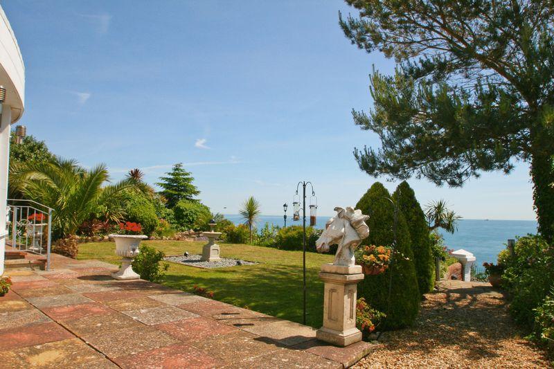 28 Patio Garden View